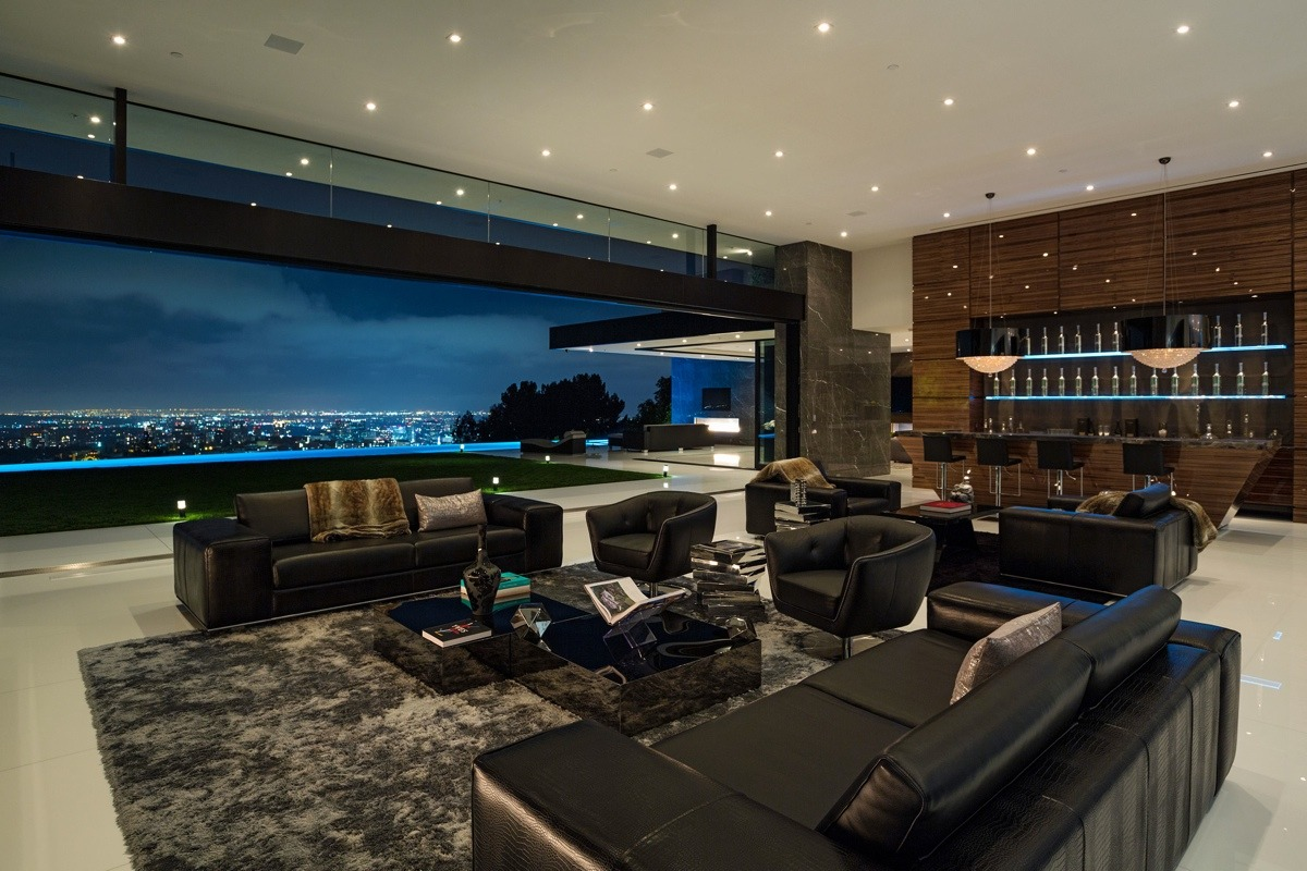 sleek-livingroom-black-couches-california-view
