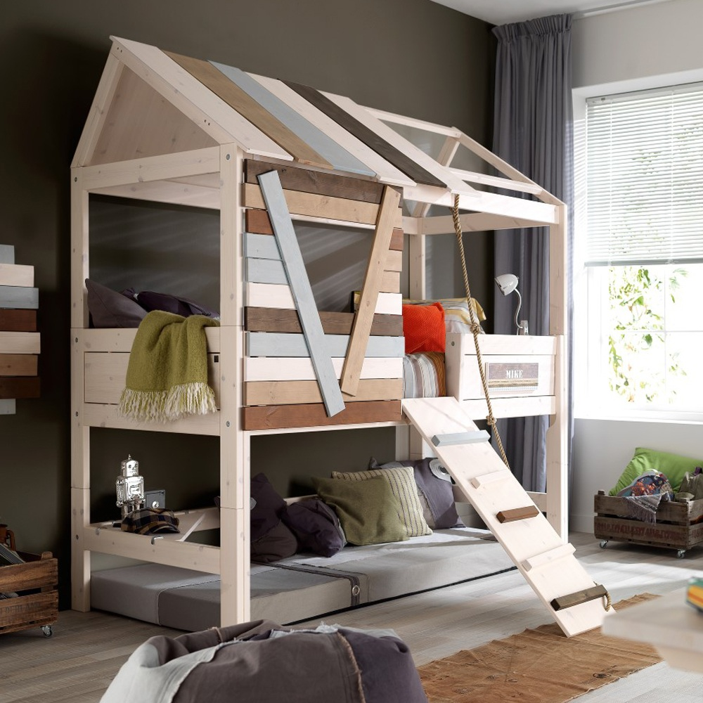 High-treehouse-Bed